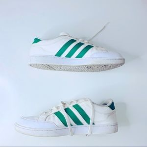 🇩🇪ADIDAS men white and green tennis shoes size 9
